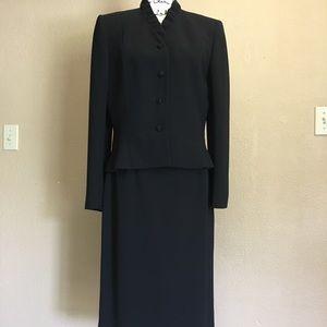 Tahari 2pc Black suit skirt set